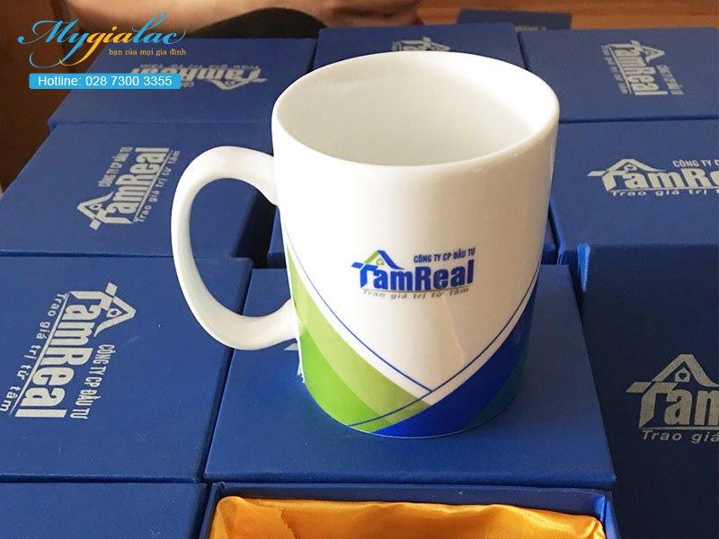 Quà tặng sự kiện ca sứ Bát Tràng in Logo Tam Real