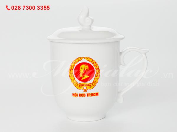 Ca sứ mẫu đơn in logo Hội cựu chiến binh