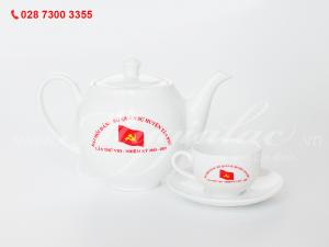 Bộ ấm trà Camellia in logo Đại hội đảng bộ quân sự huyện tân phú