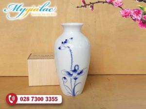 Binh Hoa Su Trang Mau 38